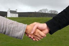 Concept des achats ou de louer une main photo libre de droits