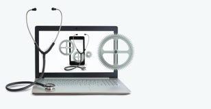 Concept des ordinateurs et du périphérique mobile de réparation Photos stock