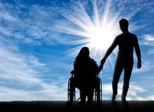 Concept des personnes handicapées de aide Photographie stock libre de droits