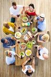 Concept dinant extérieur de personnes d'amitié d'amis Image libre de droits