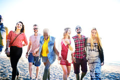Concept divers de liaison d'amusement d'amis d'été de plage Photo stock