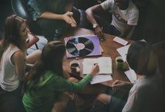 Concept divers de planification de projets des jeunes de groupe photos libres de droits
