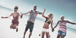 Concept divers de tir en suspension d'amusement d'amis d'été de plage Photos libres de droits