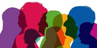 Concept diversiteit, met silhouetten in kleuren; het tonen van verschillende profielen van jonge mannen en vrouwen royalty-vrije illustratie