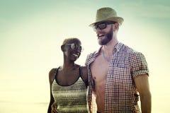 Concept doux d'amour de couples de vacances d'été de plage Photos stock