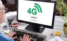 concept du réseau 4g sur un ordinateur Photo libre de droits