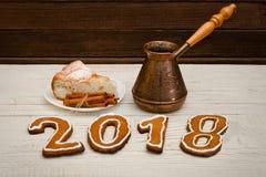 Concept du `s d'an neuf Le chiffre en 2017 du pain d'épice, pots et Image stock
