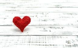 Concept en bois d'amour de fond de coeur rouge Image libre de droits