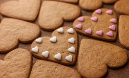 Concept en forme de coeur d'amour de biscuits de pain d'épice Photos stock