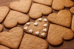 Concept en forme de coeur d'amour de biscuits de pain d'épice Photos libres de droits