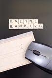 Concept en ligne d'opérations bancaires images stock
