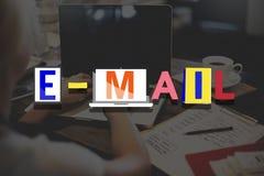 Concept en ligne de communication de correspondance d'email image libre de droits