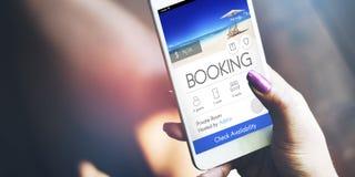 Concept en ligne de vol de voyage de réservation de billet de réservation images stock