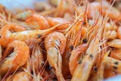 Concept espagnol typique de tapas Le concept incluent le jamon de tranches, cuvettes avec des olives, anchois, pommes de terre ép image stock