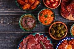 Concept espagnol typique de tapas, style rustique, vue supérieure Photo libre de droits