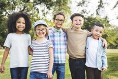 Concept espiègle de bonheur d'unité d'amitié d'enfants Images stock