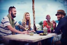 Concept ethnique divers de bonheur de loisirs de partie d'amitié Images libres de droits