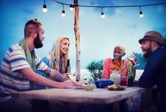 Concept ethnique divers de bonheur de loisirs de partie d'amitié Image libre de droits