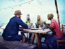 Concept ethnique divers de bonheur de loisirs de partie d'amitié Photos stock