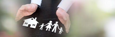 Concept familie en huisdekking; panoramische banner royalty-vrije stock afbeelding