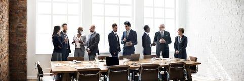 Concept fonctionnant de stratégie de discussion de réunion de groupe d'affaires Photographie stock