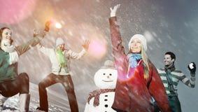 Concept gai d'amitié d'hiver de vacances de personnes de Noël Images stock