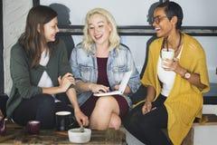Concept gai de collègue occasionnel de café de coupure Images libres de droits