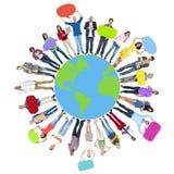 Concept gai du monde de carte de personnes d'unité globale de bonheur Photographie stock libre de droits