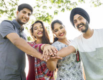 Concept gai occasionnel de la Communauté indienne d'appartenance ethnique Photographie stock libre de droits