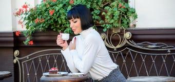 Concept gastronome Temps et relaxation agréables r E images libres de droits
