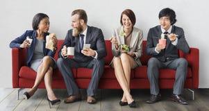 Concept het bedrijfs van Team Working Break Eating Lunch stock foto's