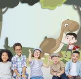 Concept heureux d'imagination d'enfance d'enfants d'enfants Photos stock