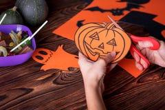 Concept heureux de carte de Halloween Coupé du papier pour une partie Image stock
