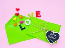 Concept heureux de lettre d'amour de jour du ` s de mère Photo libre de droits