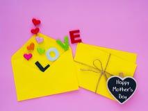 Concept heureux de lettre d'amour de jour du ` s de mère Images stock