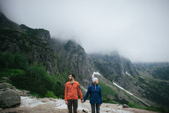 Concept heureux de mode de vie d'émotions d'amour et de voyage Photos stock