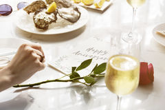 Concept heureux de restauration de nourriture de célébration d'anniversaire Photos libres de droits
