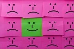 Concept heureux et malheureux Fond des notes collantes Images stock