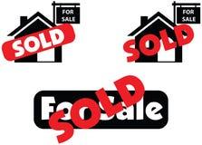 Concept huis voor verkoop en verkocht in onroerende goederenmarkt stock foto