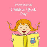 Concept international de jour de livre d'enfants La fille riante lit un livre Illustration de vecteur Utilisable pour la concepti Image libre de droits