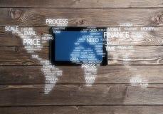 Concept internationale zaken of verbinding met vrouw die tabletgadget gebruiken Royalty-vrije Stock Fotografie