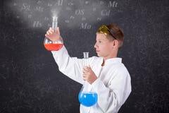 Concept jonge jongenschemicus Stock Afbeelding