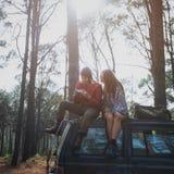 Concept l'explorant de vacances de voyage de couples Images libres de droits