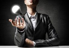 Concept lightbulb als symbool van nieuw idee Stock Fotografie