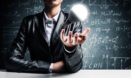 Concept lightbulb als symbool van nieuw idee Stock Afbeelding