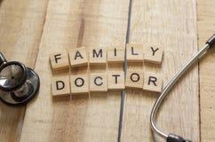 Concept médical et de soins de santé, médecin de famille images stock