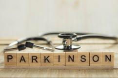 Concept médical et de soins de santé de mots de typographie, la maladie de Parkinson photo libre de droits