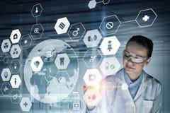 Concept médical moderne de technologies Media mélangé Photographie stock libre de droits