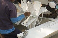 Concept machanic de jet de peinture de difficulté de vitesse de bicyclette de travail d'homme photo stock
