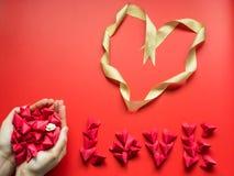 Concept minimal de configuration plate pour le jour du ` s de valentine et le nouveau voix pour chinois Images libres de droits
